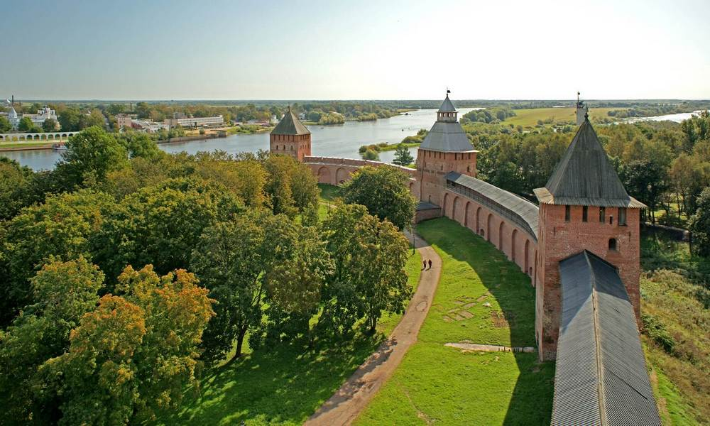 Transfer from St. Petersburg to Veliky Novgorod.